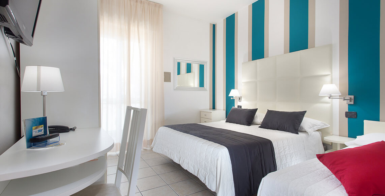 Camere moderne a hotel milano marittima hotel flora - Hotel con camere a tema milano ...